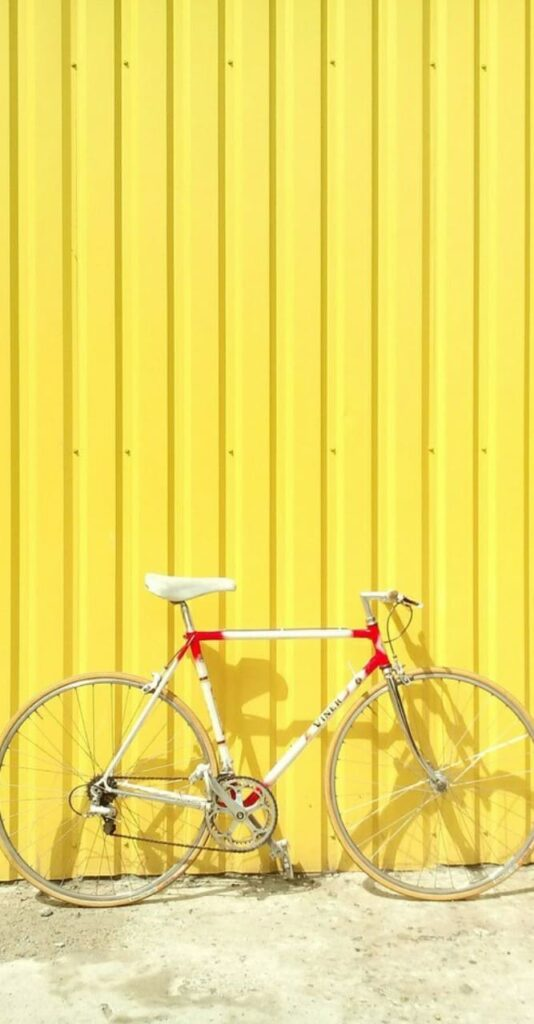 yellow wallpaper for iphone 8
